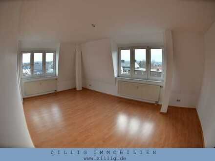 Helle und freundliche 2-Zimmer-Wohnung mit Lift - Laminat und TG - IMMOBILIEN ZILLIG