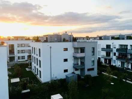 Traumhafte 3-Zimmer-Dachterrassen-Wohnung mit Balkon und EBK