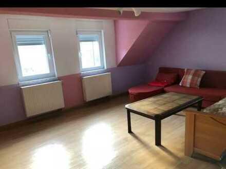 2 Zimmer Wohnung mit Dachterrasse - renovierungsbedürftig
