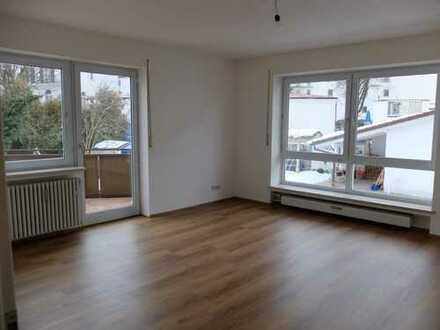 Neu renovierte 3 Zimmer Wohnung MITTEN im ZENTRUM!!! 1. OG OHNE Lift, KEIN Stellplatz