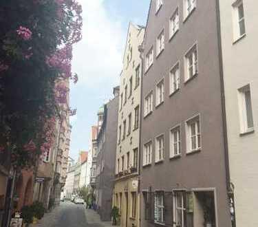 kleine Ladenfläche in der Altstadt, nahe dem Rathausplatz, 16 qm;