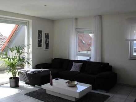Stilvolle, gepflegte 4-Zimmer-Maisonette-Wohnung mit Dachterasse in Pfuhl