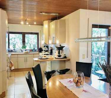 Ein Haus für die große Familie oder die arbeitende WG mit 2 Küchen!