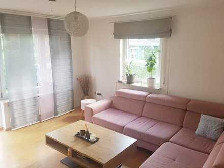 Moderne helle 3-Zimmer-Wohnung mit Terrasse und Garten
