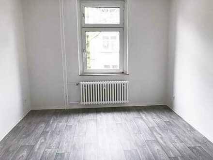 **helle 2 Zimmer Wohnung für Singles oder Pärchen ab 01.11.2019 zu vermieten**