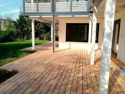 Ruhiges, grünes Solln, luxussanierte 4-Zi.-Garten-Whg, SW-Terrasse, Privatgarten und sep. Apartment