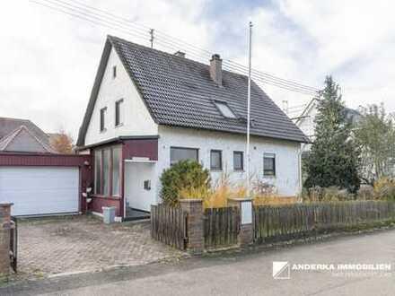 Schönes Einfamilienhaus mit großem Garten und Garage!