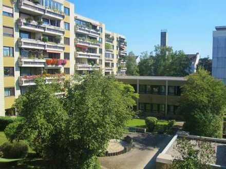 Gut vermietete Wohnung mit Balkon in attraktiver Lage 81673 München - Berg am Laim inkl. TG-Einz...