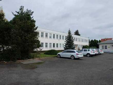 Gewerbeobjekt: Bürogebäude, Lagergebäude und Freiflächen-Provisionsfrei