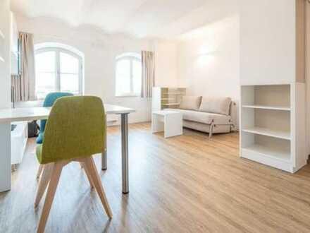 Hochwertig möbliertes, neuwertiges Apartment