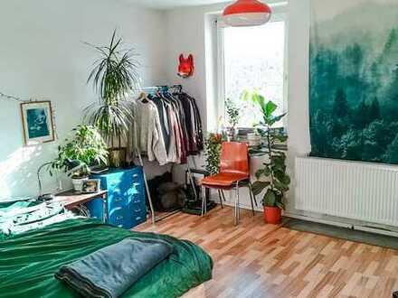 **2erWG-GEEINGNET-Gepflegte Wohnung mit Laminat, Balkon und Tageslicht Duschbad***