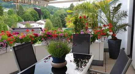 Erstbezug nach Sanierung: Stilvolle 3-Zimmer-Maisonette-Wohnung mit EBK und Balkon in Baden-Baden