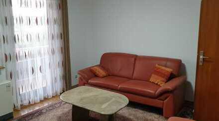 Sonnige 2-Zimmer-Wohnung mit Balkon und Einbauküche in Esslingen