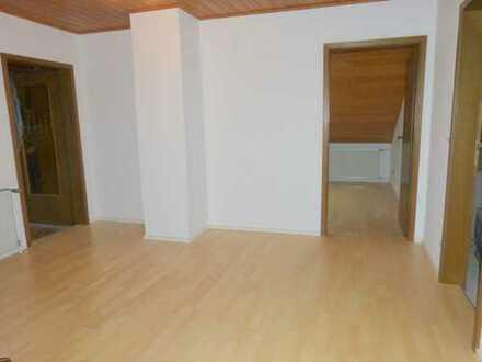 Für Gastarbeiter möblierte Wohnung: geräumige 3-4ZKB in ruhigem Haus!