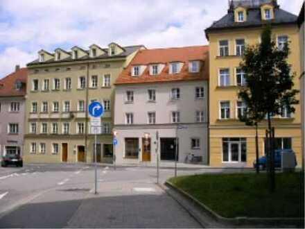 Neuwertige 3 - Zimmer - Wohnung mit EBK, 2 Bäder und Balkon