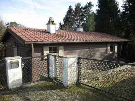 Baugrundstück mit Wochenendhaus (Abriss)