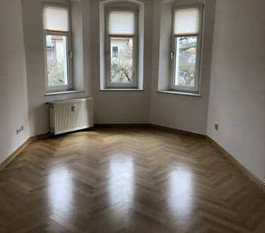 Vollständig renovierte 4-Zimmer-Wohnung mit Balkon und Einbauküche in Schwandorf (Kreis)