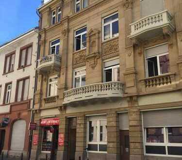 Helle 2 ZKB Wohnung, Erstbezug nach Sanierung - gerne auch für 2er WG