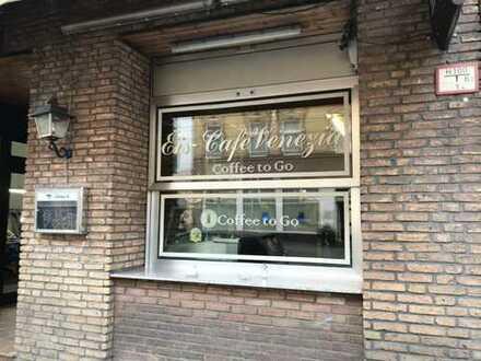 Alteingesessenes Eiscafé