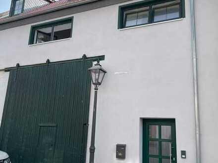 Neuwertige Maisonette-Wohnung mit drei Zimmern und Einbauküche in Dirmstein