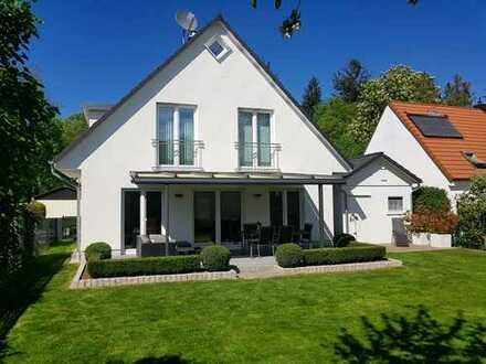 Freistehendes EFH mit sehr guter Anbindung & Südgarten in Gernlinden *provisionsfrei*
