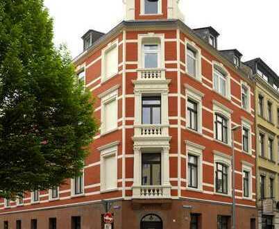 Stilvolle, denkmalgerecht sanierte Altbauwohnung in Köln-Ehrenfeld (Erstbezug nach Sanierung)