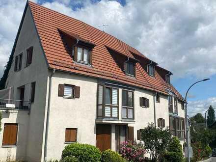 Charmante 2-Zimmer-Maisonette-Whg mit Balkon, EBK und kleinem Wintergarten