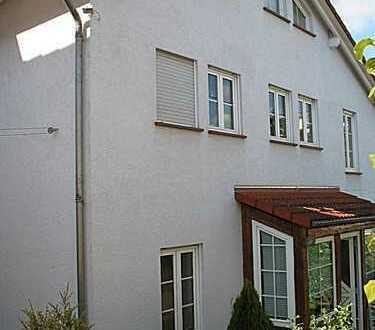 Großzügiges freisteh. Einfamilienhaus mit Wintergarten, Terrasse, Garten und Garage in ruhiger Lage
