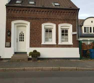 Schönes Haus mit fünf Zimmern in Krefeld, Verberg
