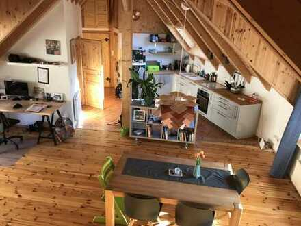 Außergewöhnliche Zwei-Zimmerwohnung ca. 80 qm im alten Ortskern von Ingelheim-Grosswinternheim
