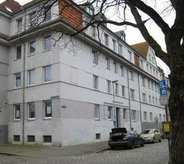 Renovierte 3-Zimmer-Wohnung mit Einbauküche in ruhiger Wohnlage