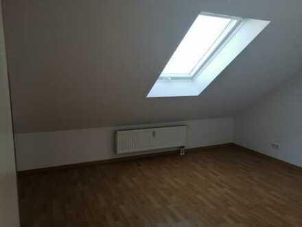 2-Zimmer-DG-Wohnung mit neuer Einbauküche in Linsengericht-Lützelhausen