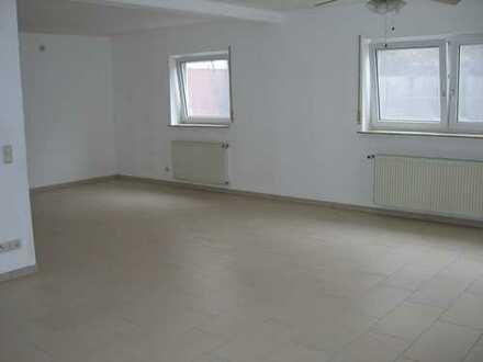 2 Zimmer, K, B, Terrasse, PKW-Abstellplatz