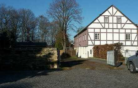 6-Zi.-Wohng. + Küche und Bad mit Garten und Garage zur Miete in Weißenborn/Erzgeb.