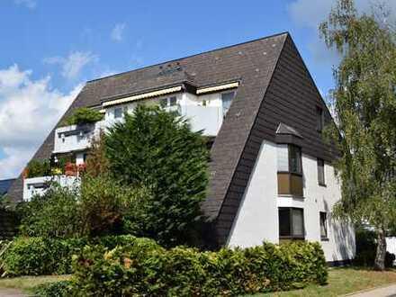 Wohntraum in begehrter Lage von Refrath - Gepflegte Dachgeschosswohnung mit großer Sonnenterrasse.