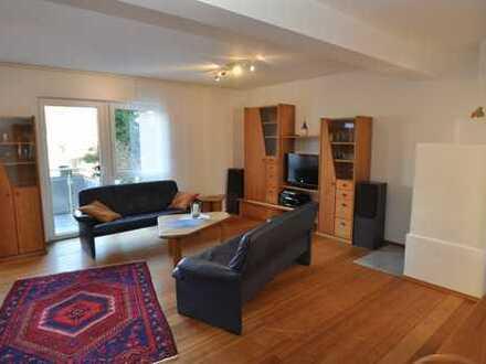 Sonne und Licht durchflutete 3-Zimmer-Maisonette-Wohnung - möbliert.