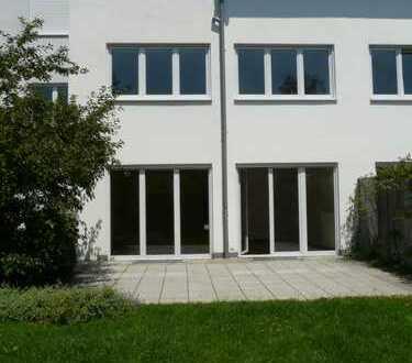 Baumkirchen - Exklusives Reihenmittelhaus mit Süd-Dachterrasse und sonnigem Garten