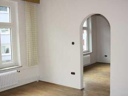 Attraktive, vollständig renovierte 5-Zimmer-Wohnung zur Miete in Mülheim