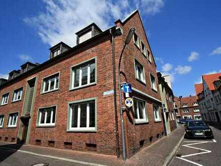 Großzügig wohnen - frisch renovierte Innenstadtwohnung mit Kamin!!