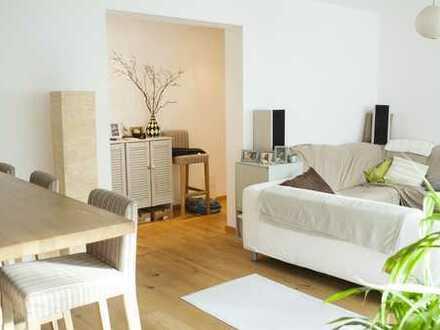 Provisionsfrei - Hell und gut geschnittene 4 Zimmer Wohnung