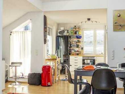 Frankfurt-Nordend: 3 Zimmer Dachgeschoßgaleriewohnung