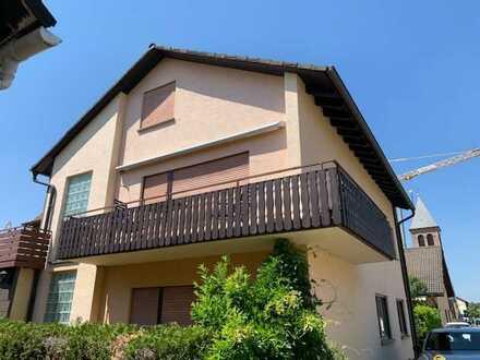 Gepflegtes Mehrfamilienhaus mit sieben Zimmern in Ötigheim, Ötigheim - Kreis Rastatt