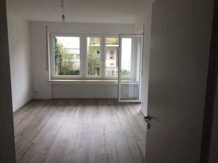 Schöne und helle 3 - Zimmer Wohnung in Stuttgart-Degerloch im Erdgeschoss mit Terrasse und Garten