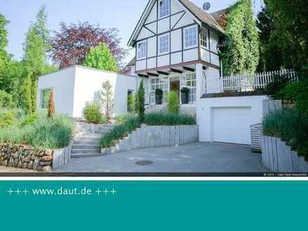 möbliertes Traum Ferienhaus (Wohnbüro) Golfnähe, nahe Binnensee + 2,5km Ostsee, romant. Garten