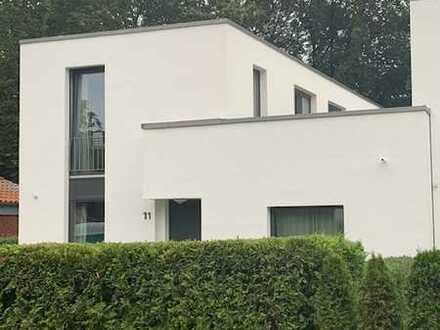 Hochwertiges 5-Zimmer-Reihenendhaus mit EBK in Konprinzenstraße /Kronprinzencarree