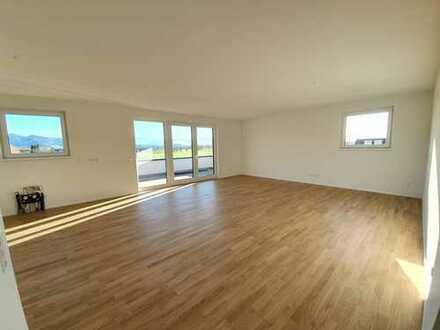 Stilvolle 3-Zimmer-Attika-Wohnung mit Balkon in Emmendingen