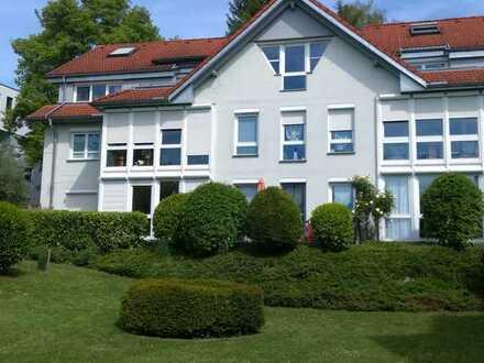 Exklusive, vollständig renovierte 2-Zimmer-EG-Wohnung mit Balkon und Einbauküche in Bad Säckingen