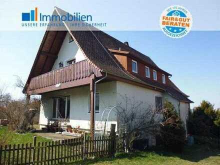 Wohnhaus mit 4 Garagen am Ortsrand von Blaufelden
