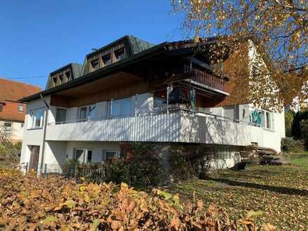 Freistehendes Einfamilienhaus  mit Büromöglichkeit in sonniger  Wohn-/Aussichtslage!
