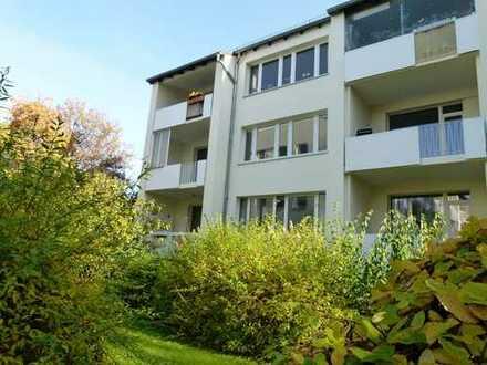 Schwachhausen!! Bezug nach Sanierung - helle große 3- Zimmerwohnung, Balkon, Einbauküche